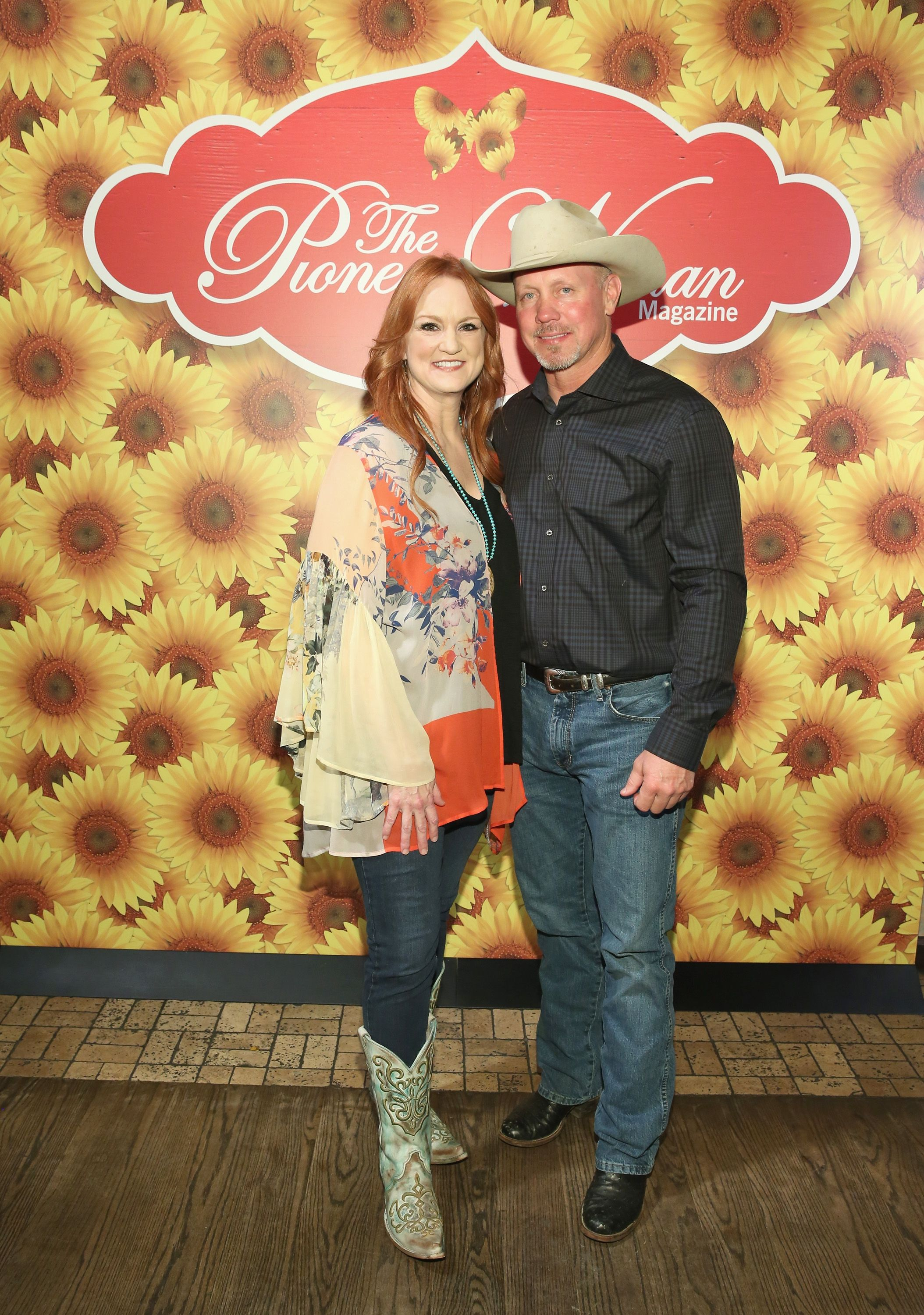 Ree Drummond and Ladd Drummond posed for a photo at The Pioneer Woman Magazine Celebration at The Mason Jar on June 6, 2017 | Photo: Getty Images