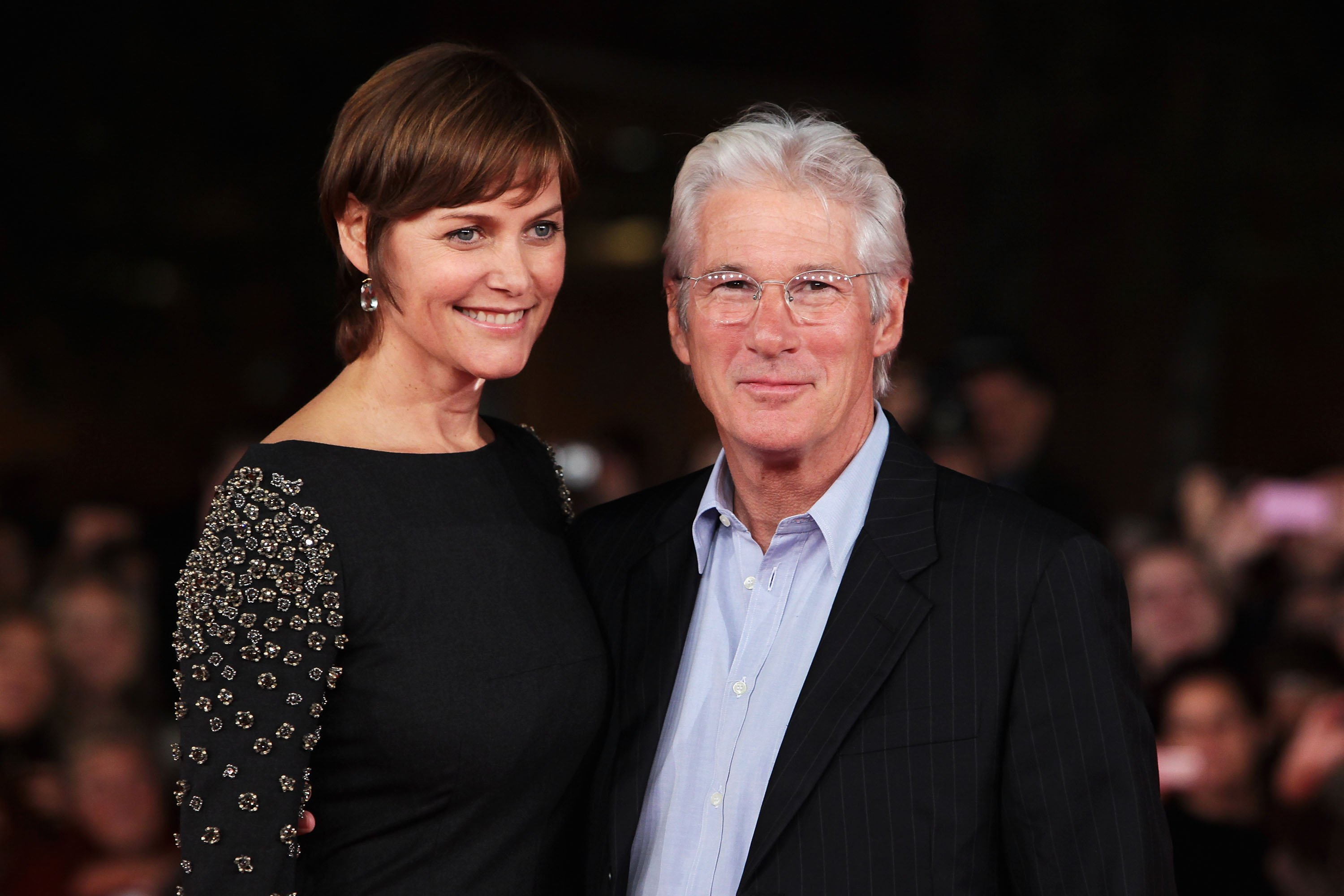Carey Lowell and Richard Gere walk the red carpet during the 6th International Rome Film Festival on November 3, 2011, in Rome, Italy. | Source: Getty Images.