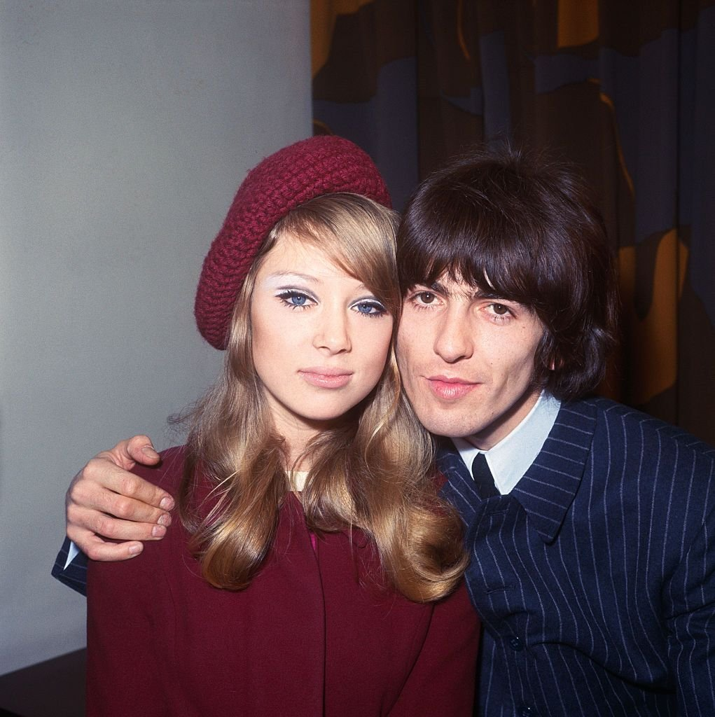 Pattie Boyd and George Harrison after their marriage in Epsom, on January 21, 1966 | Photo: Bettmann/Getty Images