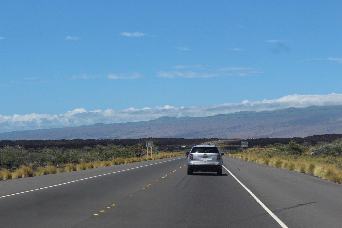 Automóvil en carretera. | Imagen: PxHere