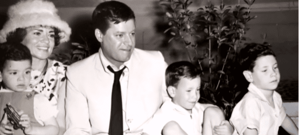Jerry Lewis' family in the late 60s | Photo: YouTube/Inside Edition