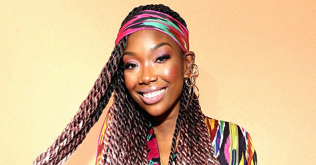 Brandy's Daughter Sy'Rai Flaunts Drastic Weight Loss in Nude Off-Shoulder Top & Skirt in Photo