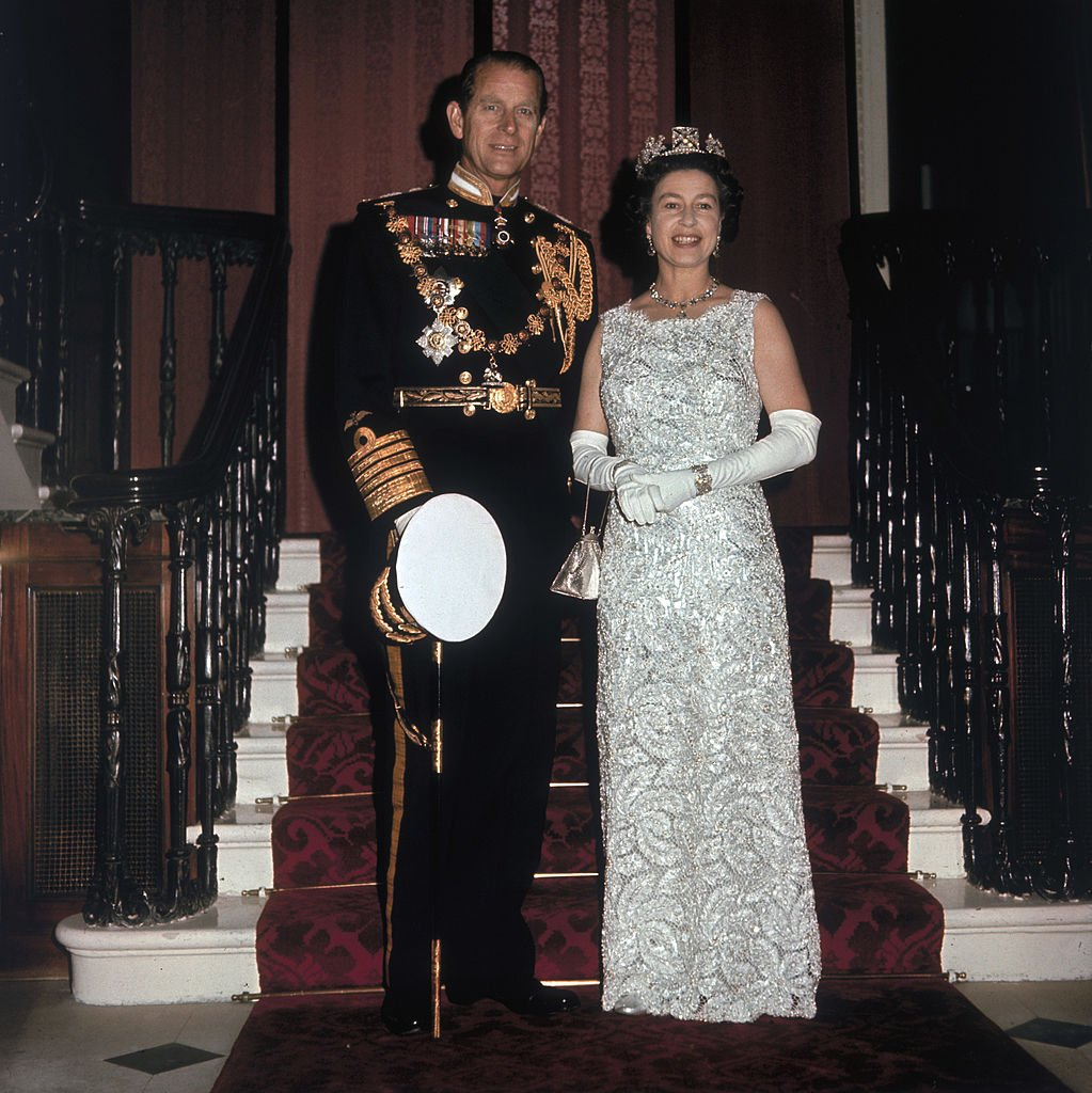 Queen Elizabeth II and Prince Philip Duke of Edinburgh on the occasion of their 25th silver wedding anniversary celebrations held at Buckingham Palace, 20th November 1972   Photo: Getty Images