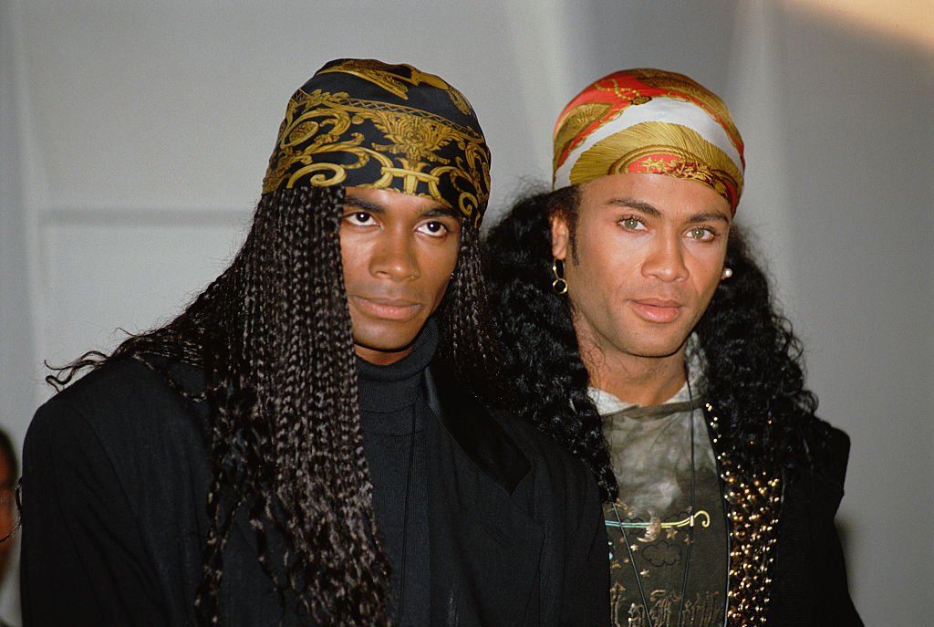 Fab Morvan and German-American model, dancer and singer Rob Pilatus, at a press conference announcing they will return their Grammy Awards after confessing to lip-synching their songs | Photo: GettyImages