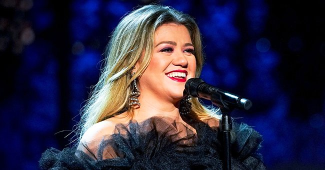 Kelly Clarkson's Dons a Jeweled White Gown — See Fan Reactions to the Gorgeous Look
