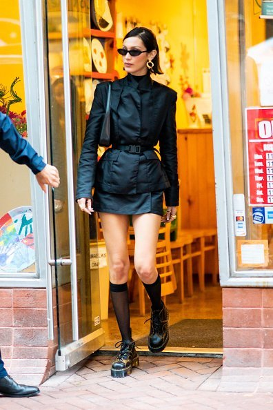 Bella Hadid is seen in Chinatown in Newyork City | Photo: Getty Images