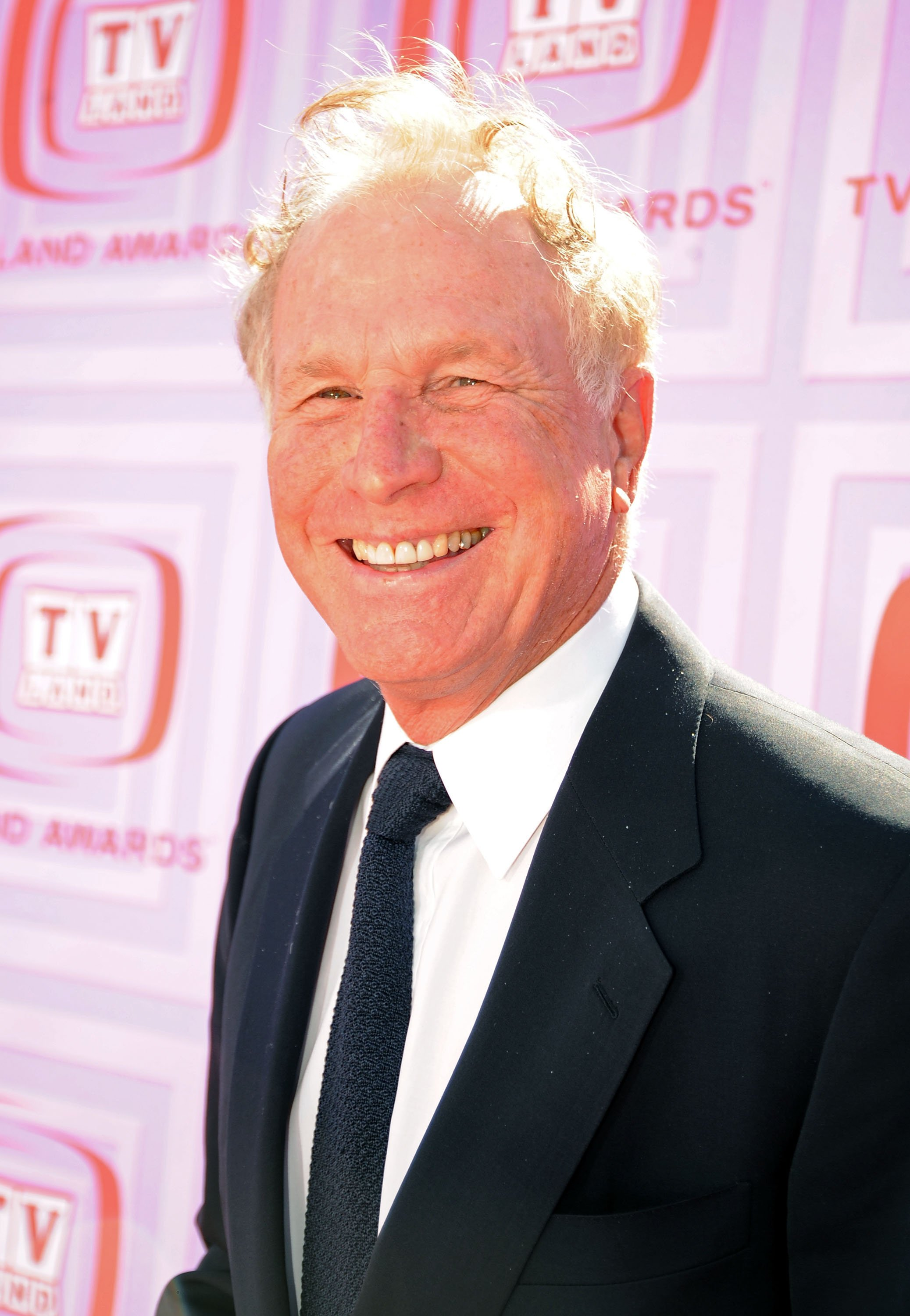 Wayne Rogers at the 7th Annual TV Land Awards held at Gibson Amphi theatre on April 19, 2009 . | Source: Getty Images
