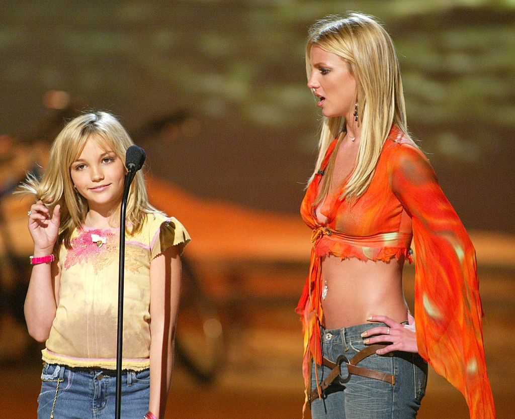Britney Spears and Jamie Lynn Spears at The Teen Choice Awards, August 2002   Source: Getty Images