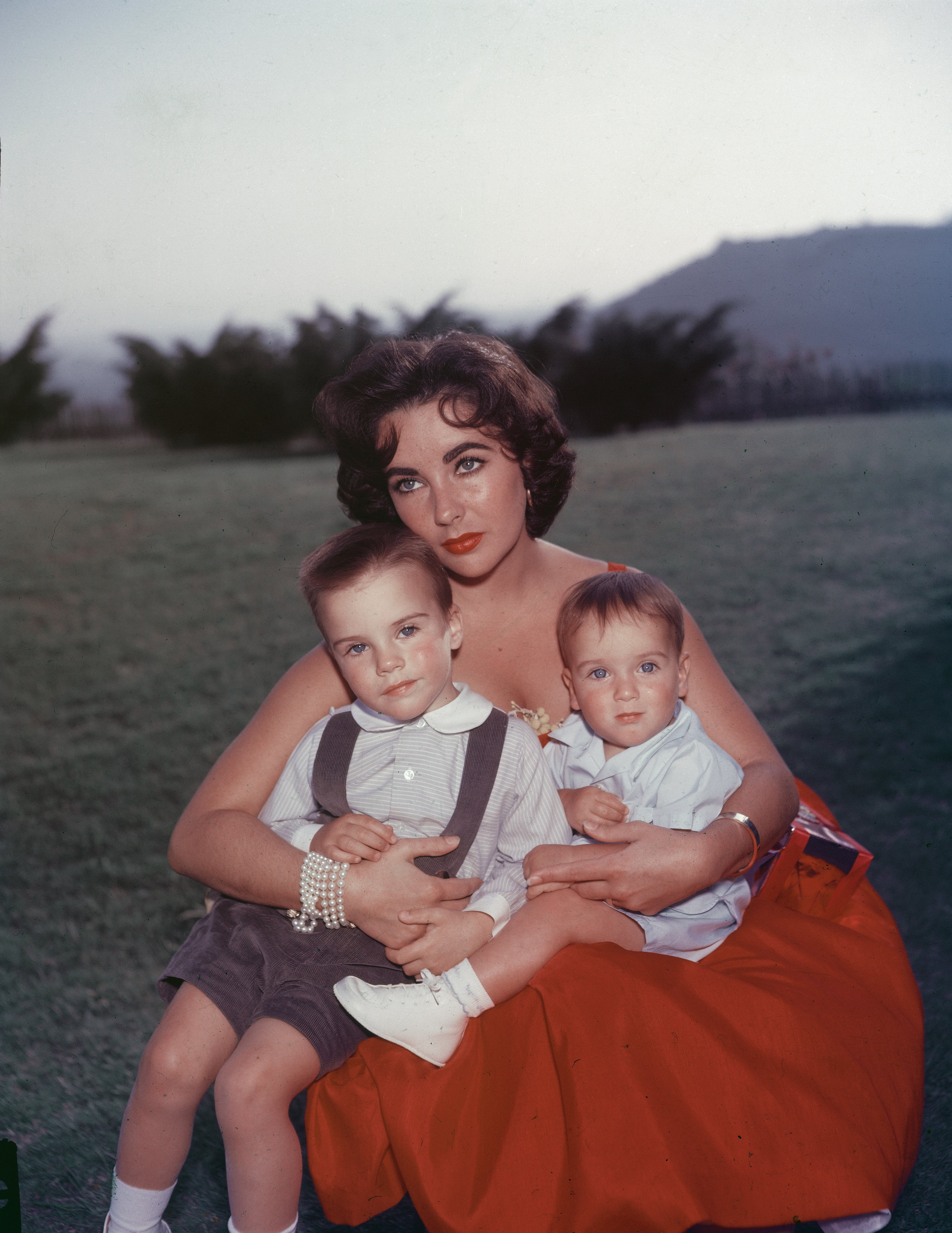 Elizabeth Taylor and two of her children. I Image: Getty Images.