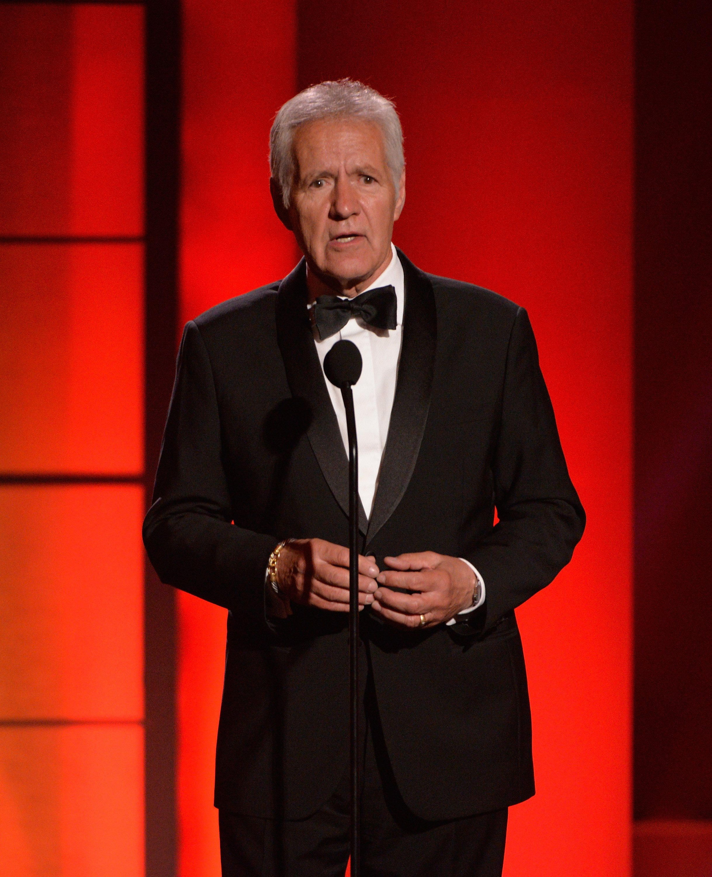 Alex Trebek delivering a speech at the 44th annual Daytime Emmy Awards in Pasadena, California | Photo: Getty Images