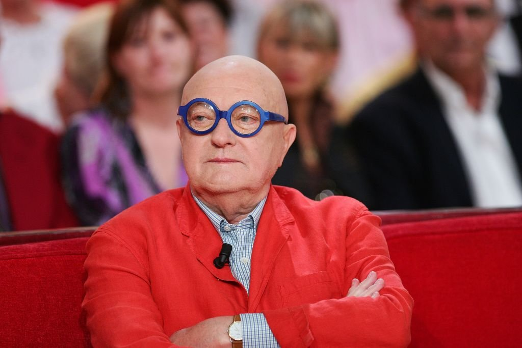 Jean Pierre Coffe assiste au show télévisé Vivement Dimanche à Paris, France, le 5 octobre 2011. | Photo : Getty Images
