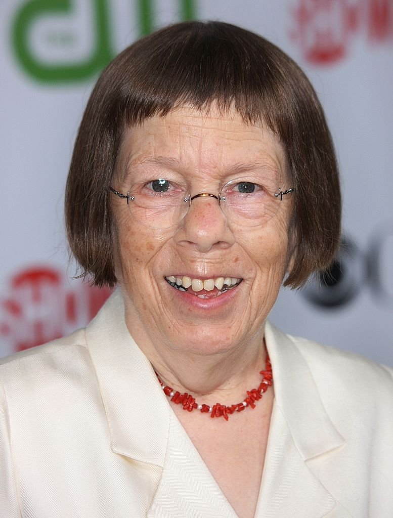 Linda Hunt arrives at the CBS, CW, CBS Television Studio and Showtime TCA party | Getty Images