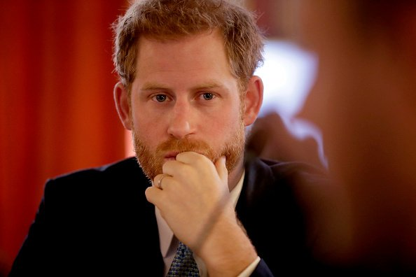 Prince Harry in a round table discussion with youths from across the Commonwealth at the Lancaster House on January 30, 2019 | Photo: Getty Images
