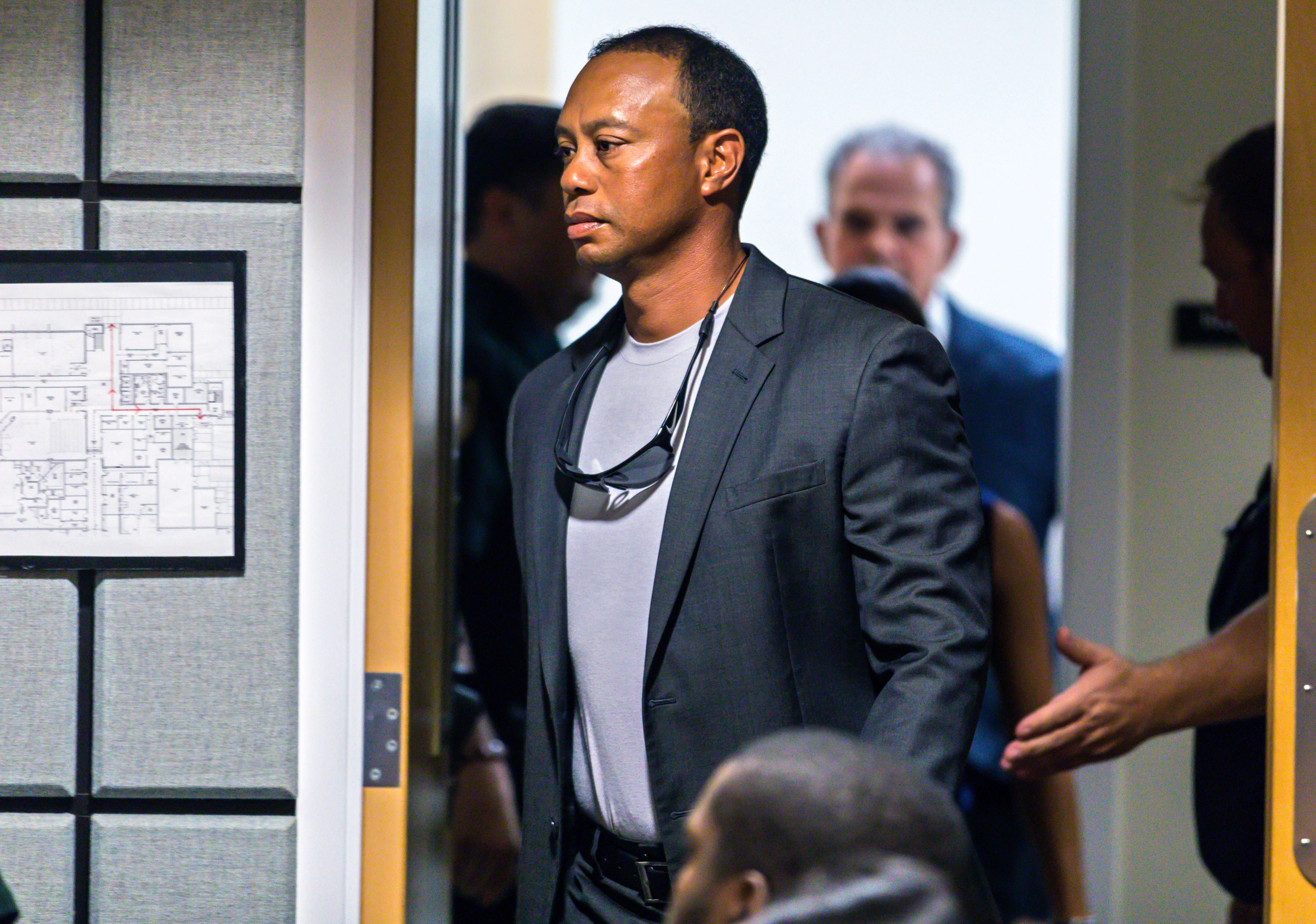 Tiger Woods enters Palm Beach County court on October 27, 2017 in Palm Beach Gardens, Florida. | Source: Getty Images