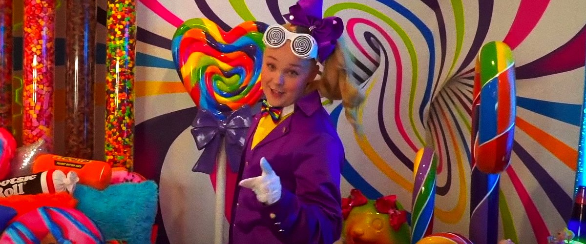 Look inside JoJo Siwa's House — Own '7-Eleven' Station, 4,000 Pounds of Candy in Bedroom, and More