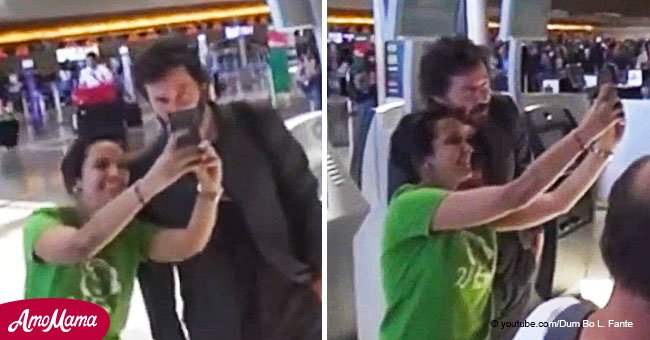 Fan took a bad photo with Keanu Reeves and instead of leaving, he let her take another one