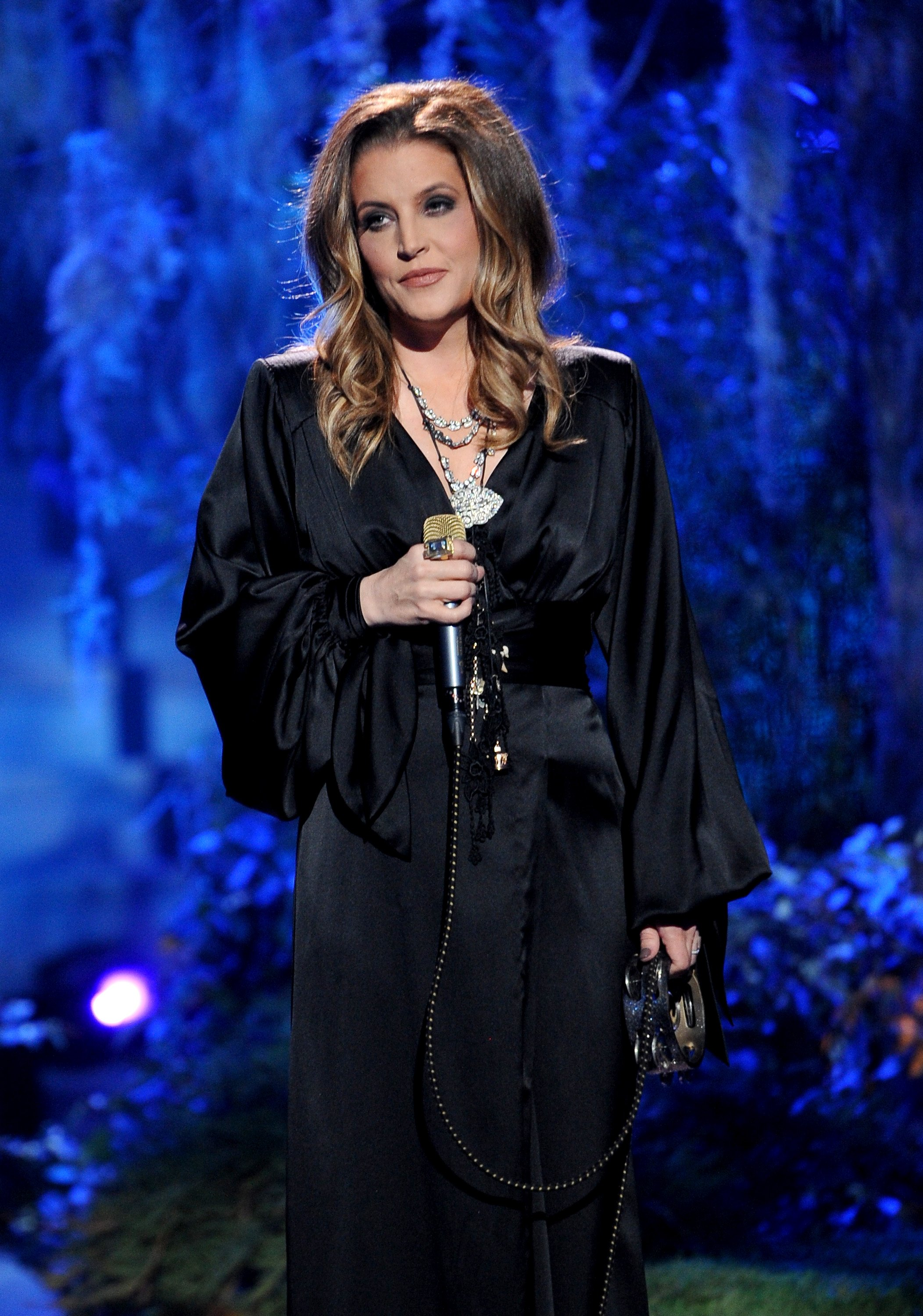 """Lisa Marie Presley performs onstage at FOX's """"American Idol"""" show on May 17, 2012, in Hollywood, California. 
