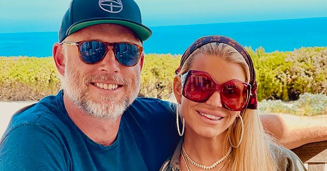 Jessica Simpson Shares Snap of Her Look-Alike Daughters Maxwell & Birdie in Matching Swimsuits