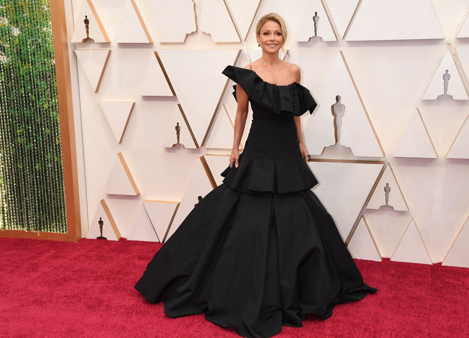 Kelly Ripa at the 92nd Annual Academy Awards at Hollywood and Highland on February 09, 2020, in California | Photo: Jeff Kravitz/FilmMagic/Getty Images