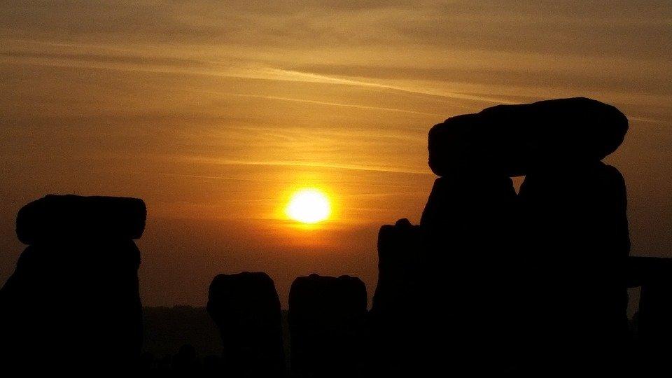 Solsticio de verano visto desde Stonehenge, en Wiltshire, Inglaterra. | Imagen: Max Pixel