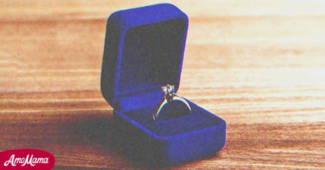 Blue velvet box with a ring | Source: Shutterstock