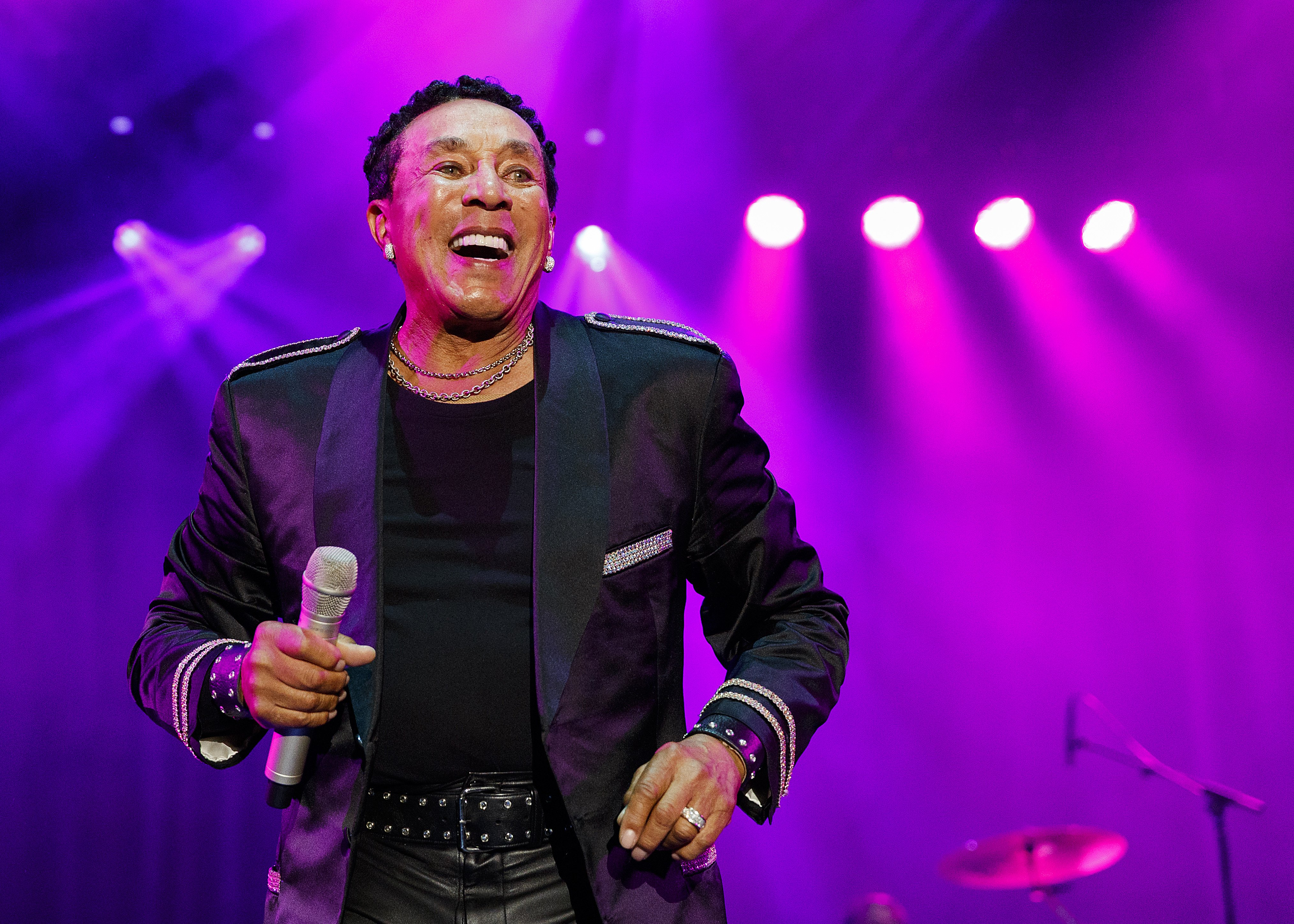 Smokey Robinson performs on stage during Summer Night Concerts at PNE Amphitheatre on August 23, 2019 in Vancouver, Canada.
