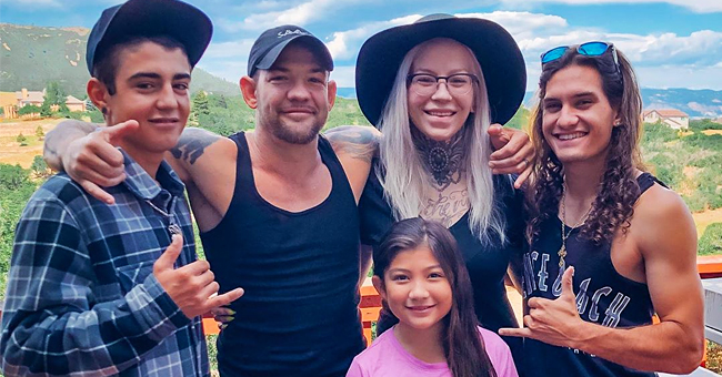 Leland Chapman's Fans Enjoy His New Family Photo with All Three Kids