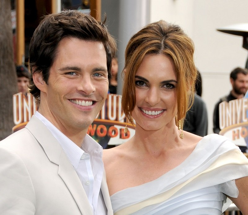 James Marsden and wife Lisa on March 27, 2011 in Universal City, California | Photo: Getty Images
