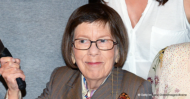 Linda Hunt, Famous for Depicting Hetty, Was Bullied at School Because of Her Medical Condition