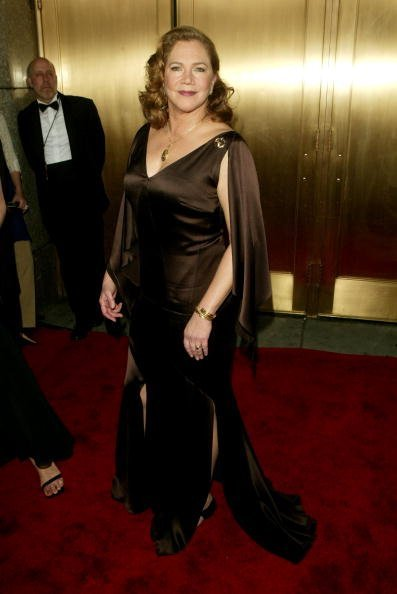 Kathleen Turner attends the 59th Annual Tony Awards at Radio City Music Hall June 5, 200,5 in New York City. | Source: Getty Images.