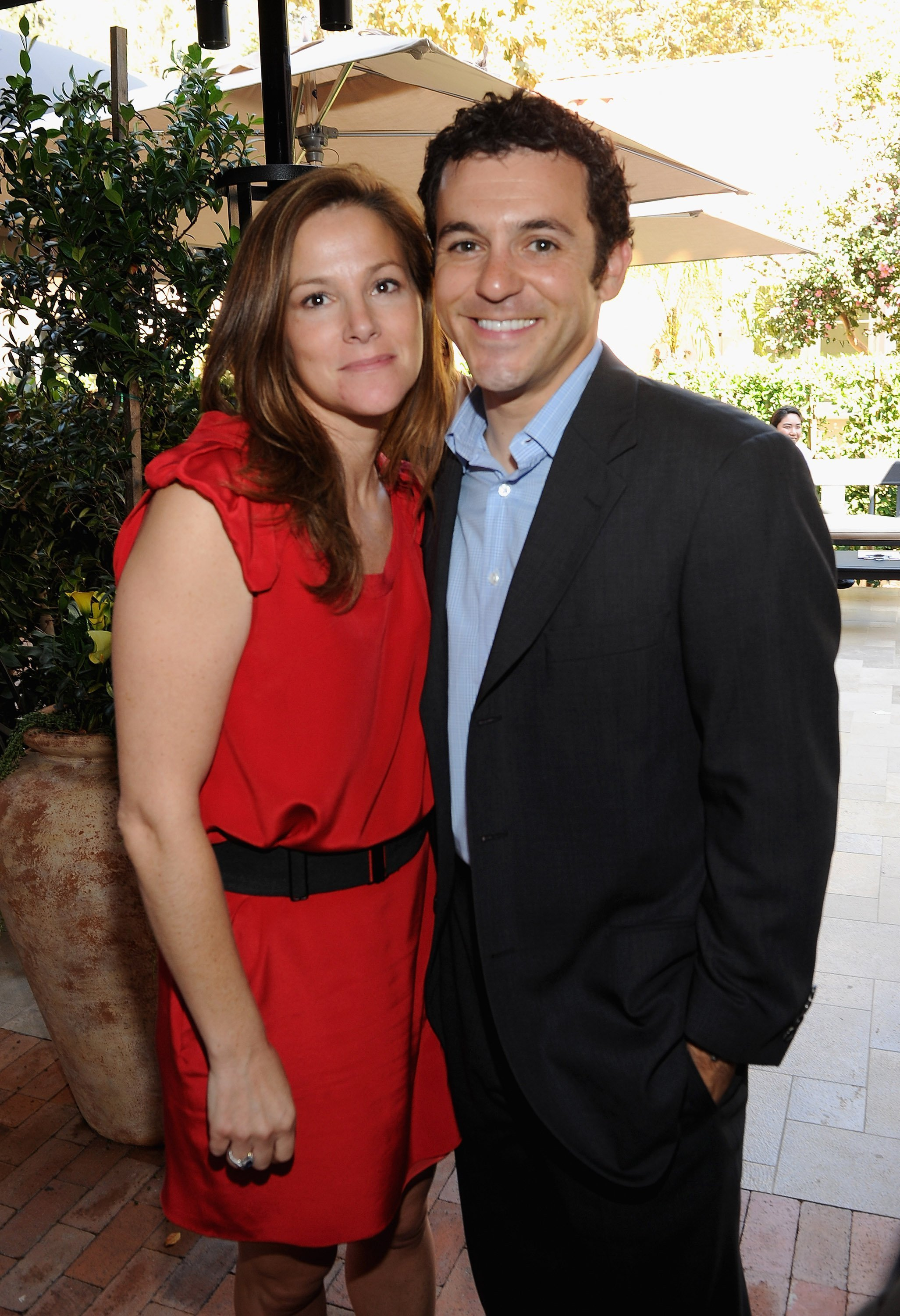 Fred Savage and Jennifer Lynn Stone on October 16, 2011 in Belair, California | Source: Getty Images