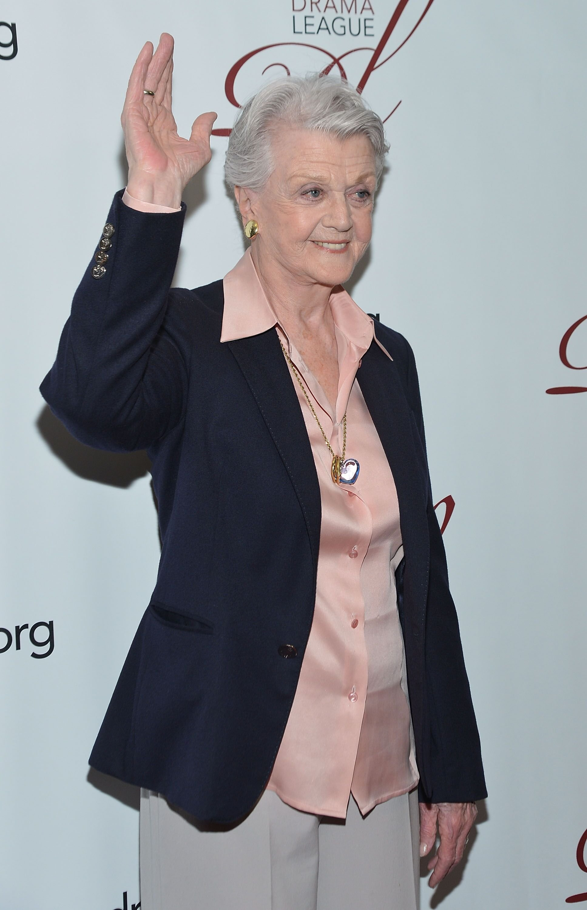 L'actrice Angela Lansbury assiste à la cérémonie annuelle de remise des prix de la Drama League à New York. | Photo : GettyImage