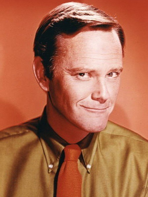 Dick Sargent during one of his birthday celebrations | Photo: Wikipedia