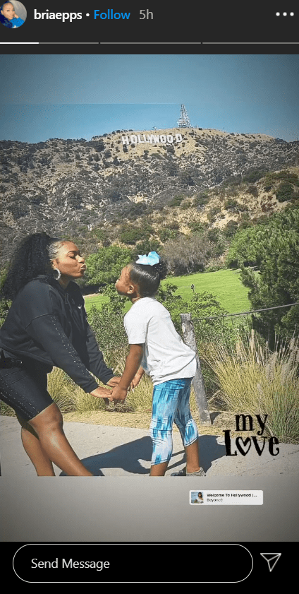 Bria Epps and her daughter caught in a beautiful mother-daughter moment | Photo : Instagram/briaepps