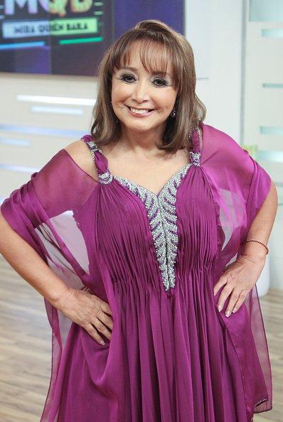 Maria Antonieta de las Nieves detrás del escenario durante Univision Mira Quien Baila!. | Fuente: Getty Images