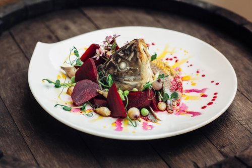 An Avant-Garde fish and beetroot dish. | Source: Shutterstock.