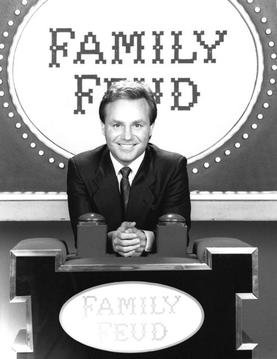 Ray Combs from the TV series Family Feud .  Source: Wikimedia.