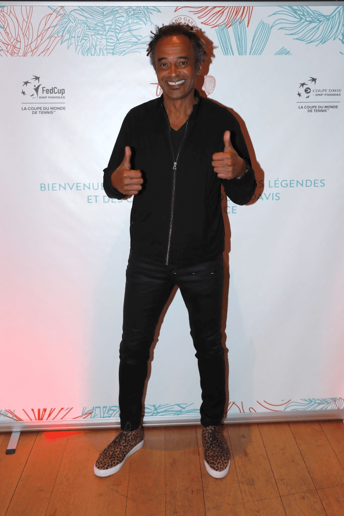 "PARIS, FRANCE - 05 JUIN : Yannick Noah assiste au dîner des ""Légendes du tennis"" dans le cadre de l'Open de France de tennis 2019, le 05 juin 2019 à Paris, France. 