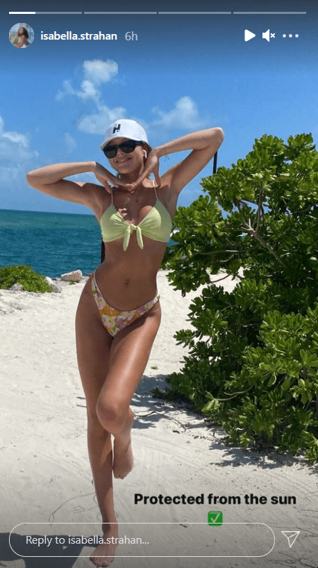 Isabella Strahan poses by the beach, showing her stunning figure.   Photo: instagram.com/isabella.strahan