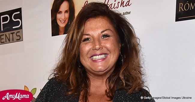 Abby Lee Miller has fun at the pool despite starting round 3 of chemotherapy