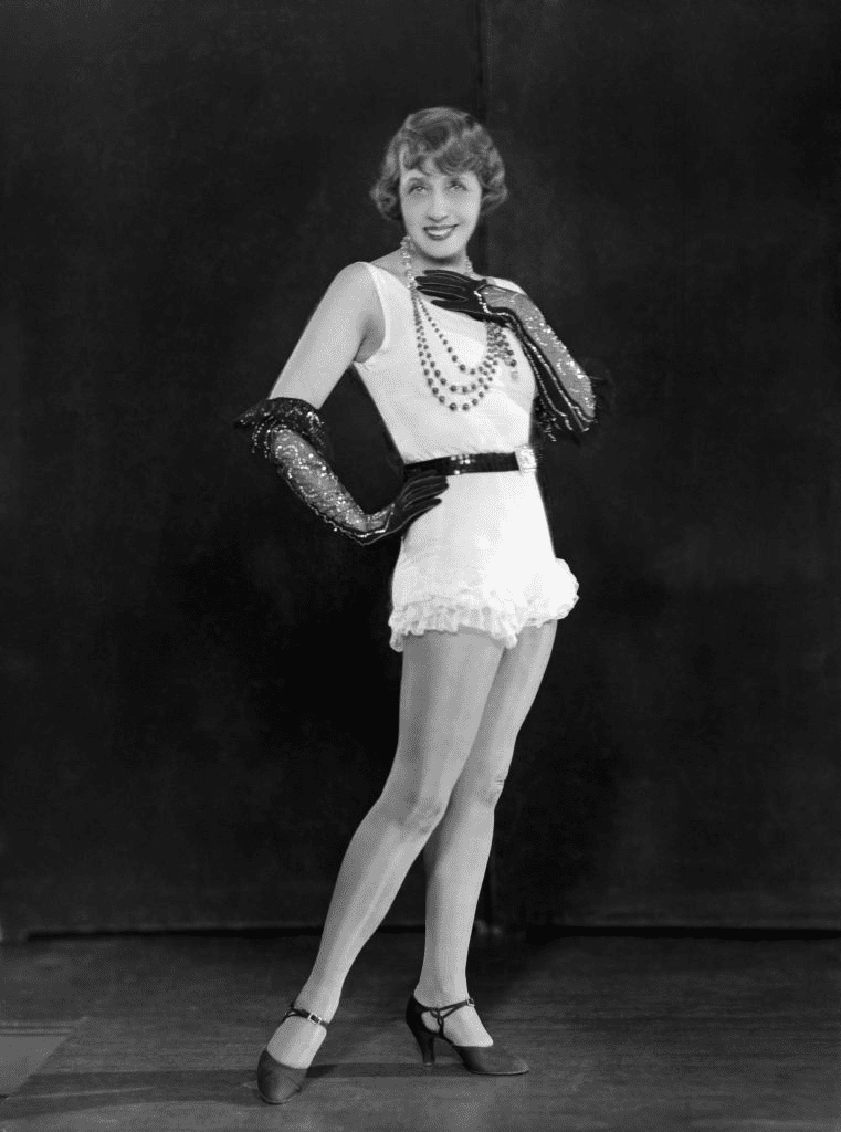 Portrait de Mistinguett à Paris, France, vers 1928. | Photo : Getty Images