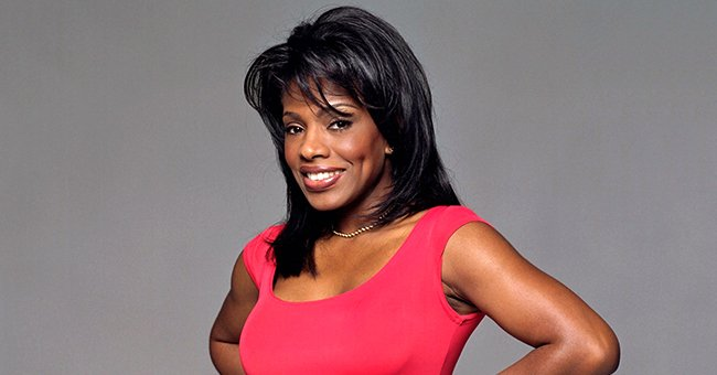 Sheryl Lee Ralph AKA Dee in 'Moesha' Flaunts Her Flawless Skin in a Floral Outfit (Video)