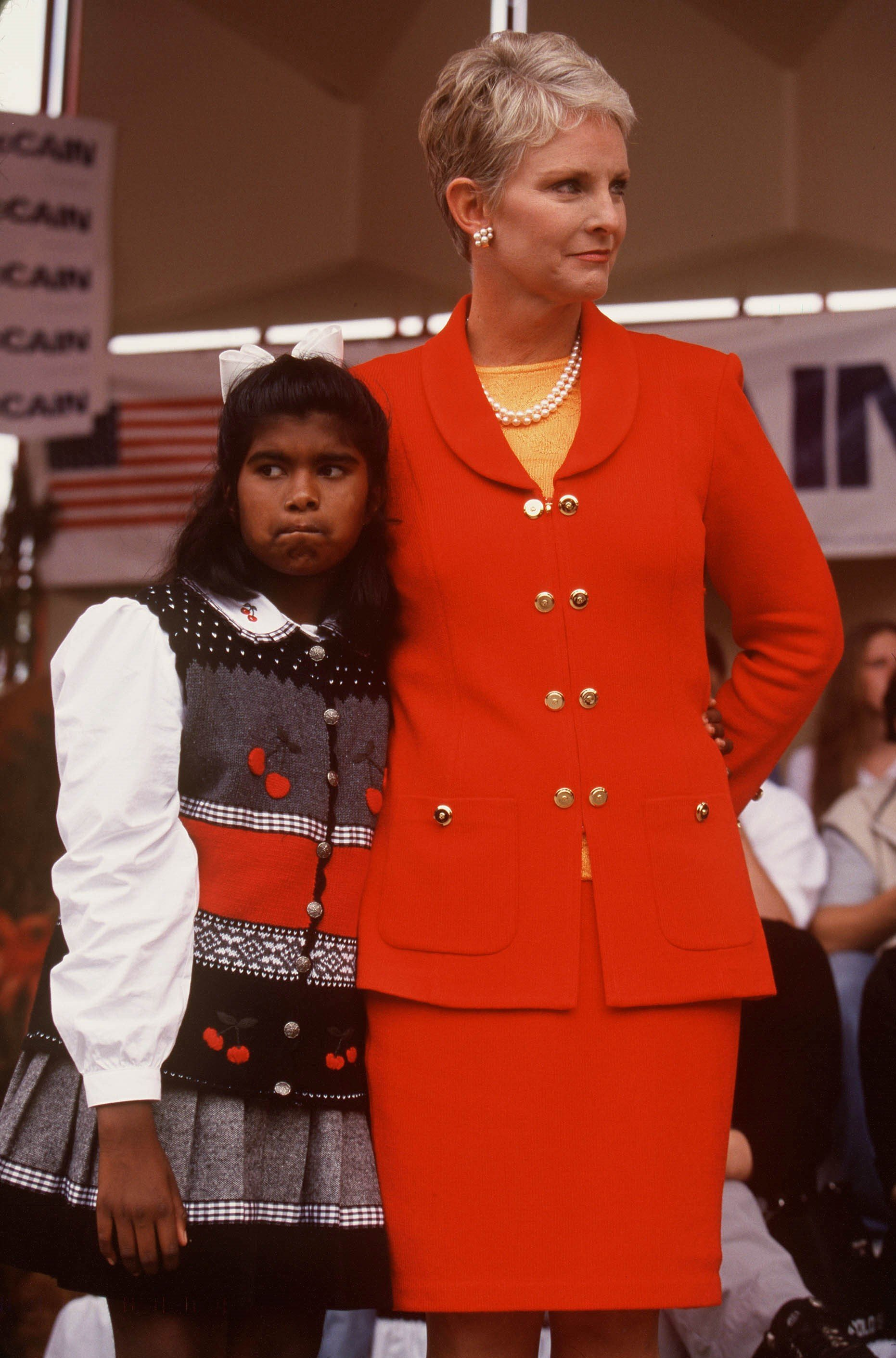 Cindy McCain and daughter Bridget on September 27, 1999 | Photo: GettyImages