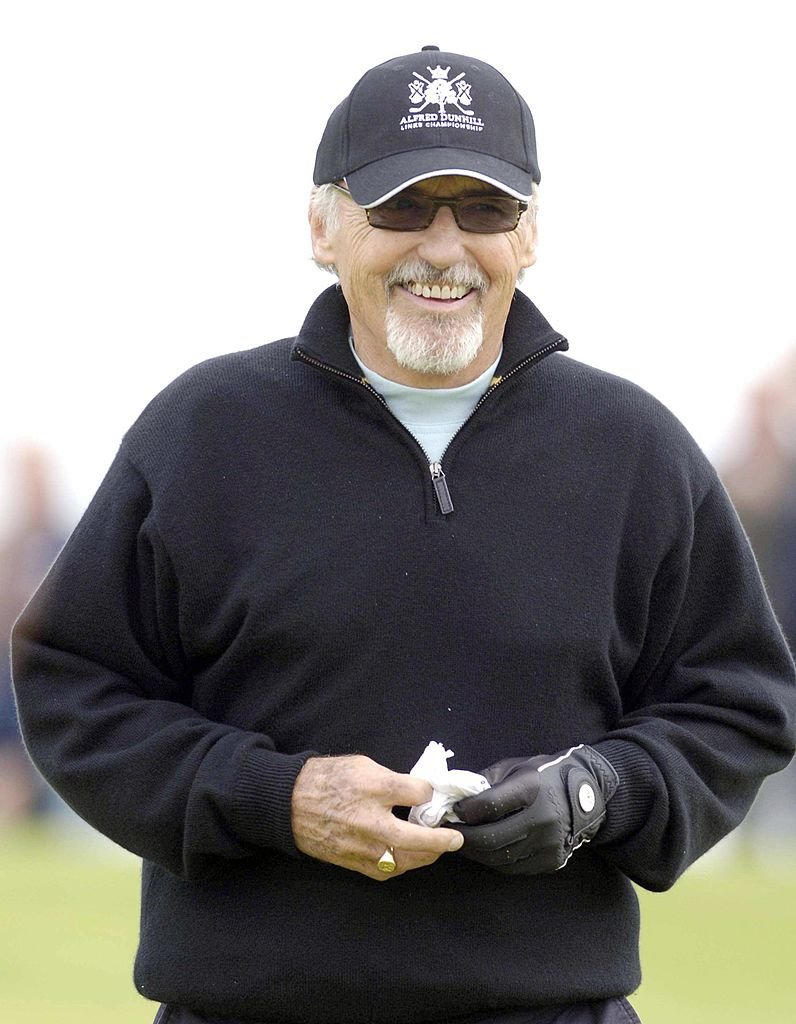 Dennis Hopper during the first round of the 2006 Alfred Dunhill Links Championship on the St Andrews Old Course in St. Andrews, Scotland | Photo: Getty Images