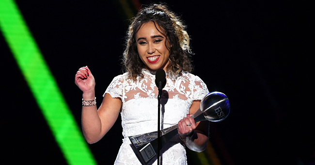 Gymnast Katelyn Ohashi Stuns on ESPY Red Carpet with a Handstand in High-Heeled Shoes