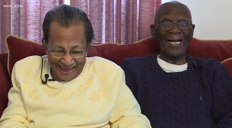 D.W and Willie still make each other laugh. | Source: YouTube/WCNC