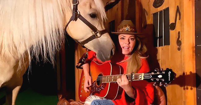 Shania Twain's Horse Joined Her ACM Performance and Stole the Show