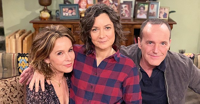 Jennifer Grey from 'Dirty Dancing' and Husband Clark Gregg from 'Captain Marvel' Guest on 'The Conners' as Married Couple