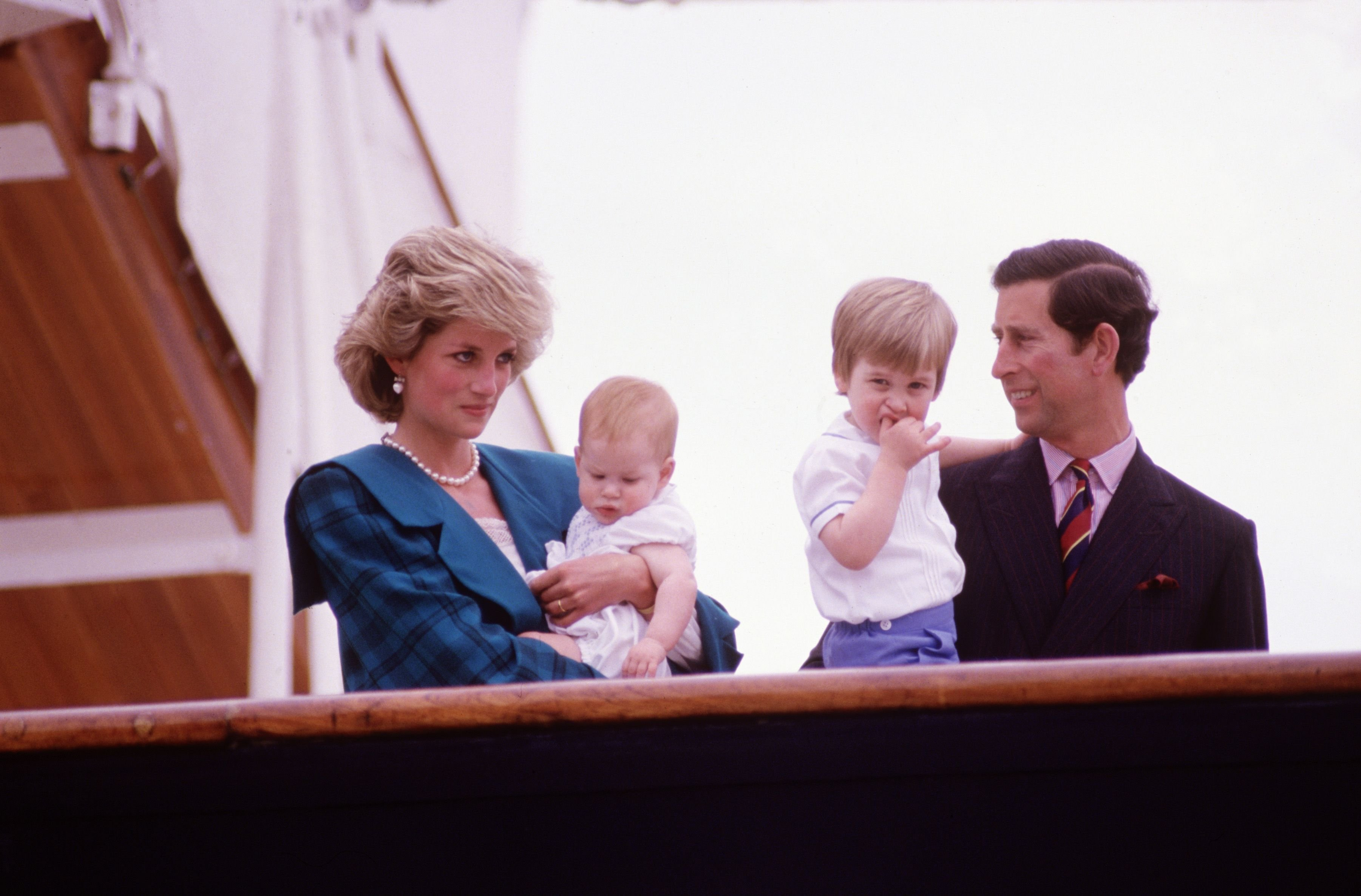 Diana Princess of Wales and Charles Prince of Wales with Prince Harry and Prince William on the deck of the Royal Yacht Britannia in 1985 | Source: Getty Images