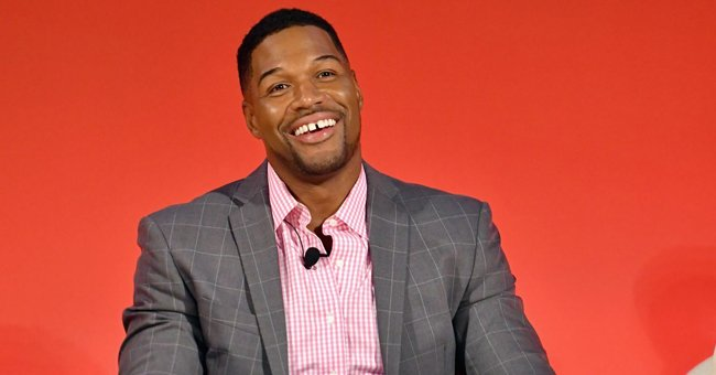 Michael Strahan's Teen Daughter Sophia Looks Gorgeous Showing Her Long Curly Hair in a New Photo